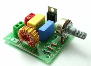 AC MOTOR SPEED CONTROLLER USING TRAIC  (1)