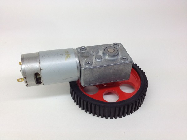 worm-gear-dc-motor-with-aluminium-wheels-for-robots-1-600x450
