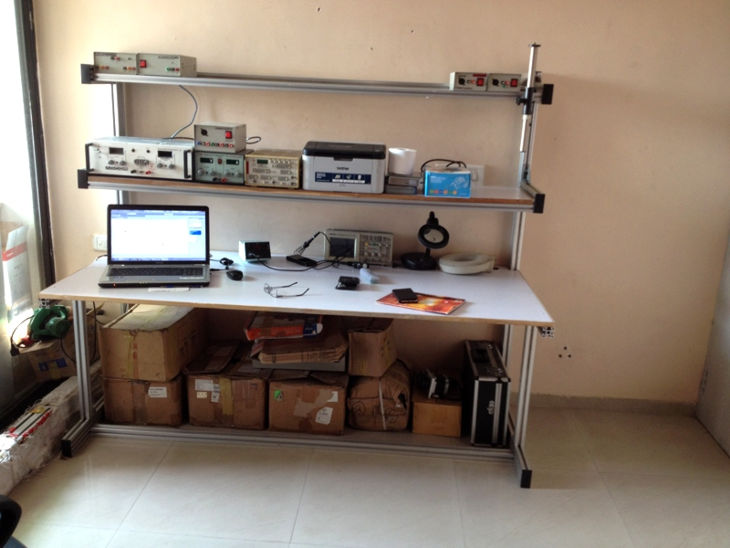 electronics-laboratory-table-made-using-aluminum-profile